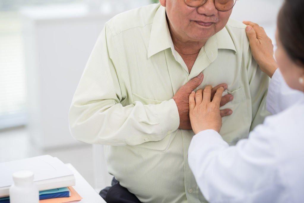 komplikasi hipertensi pada lansia