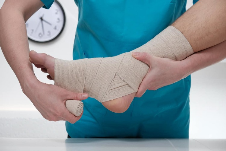 gejala pergelangan kaki keseleo