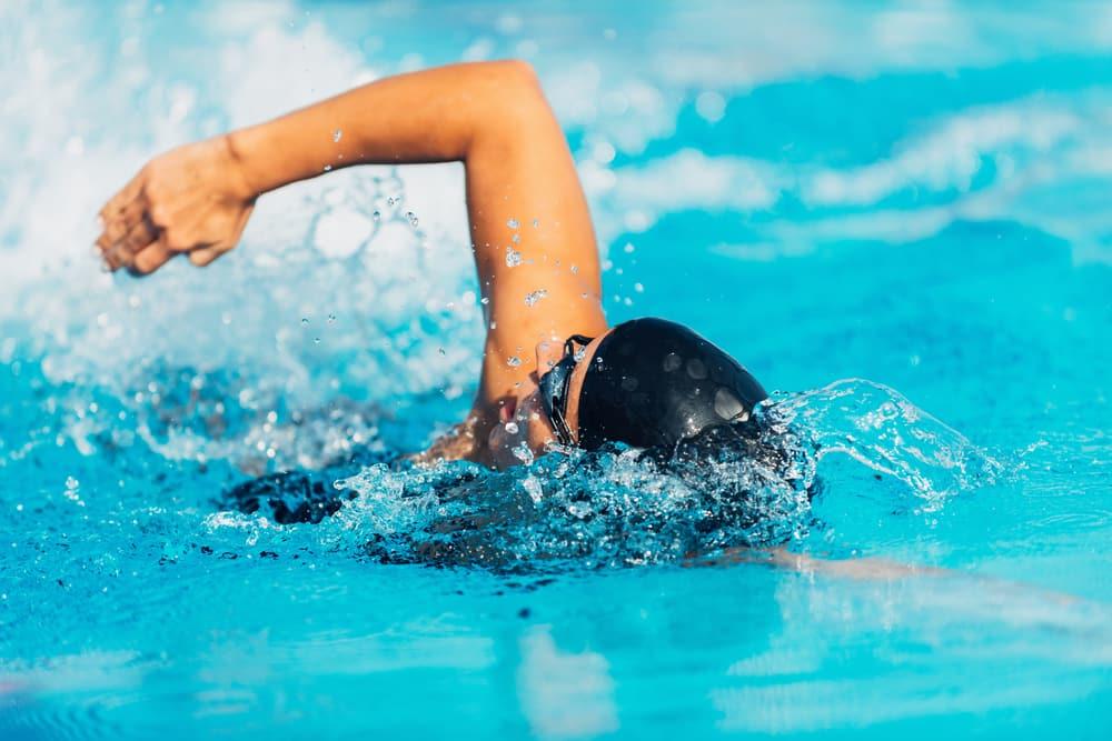 9 Manfaat Berenang Untuk Kesehatan