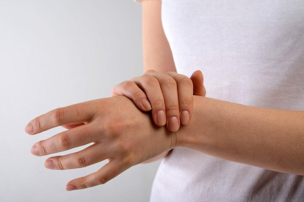 cara mengobati tangan keseleo