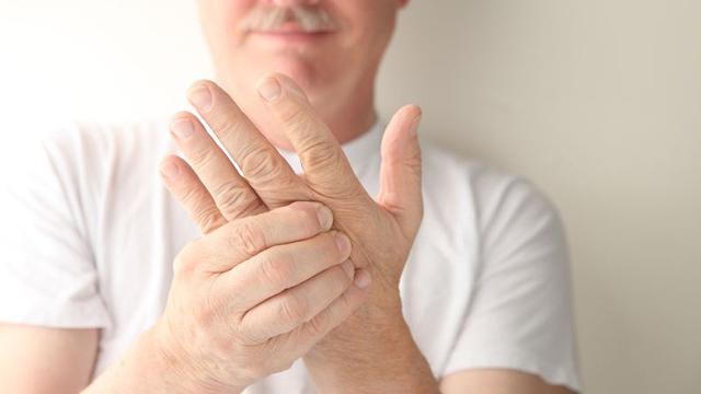 OBAT YANG AMPUH Untuk REMATIK Jari Tangan Sakit