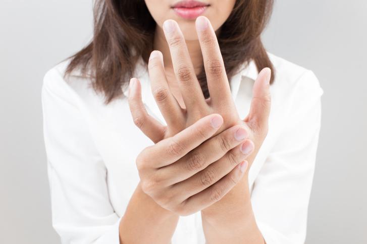 Penyebab Jari Tangan Bengkak, Gatal dan Cara Mengatasinya