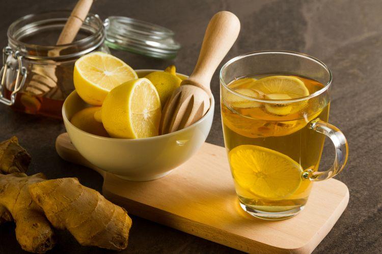 manfaat air lemon hangat di malam hari