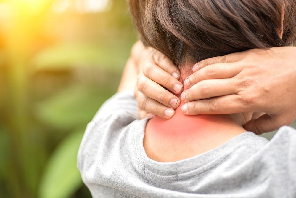 sakit leher belakang