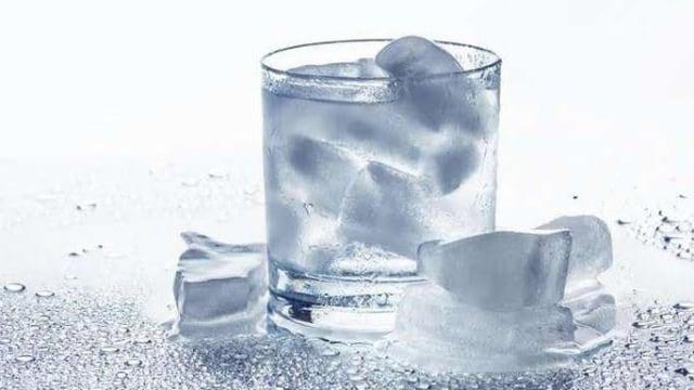 terapi asam urat dengan air es